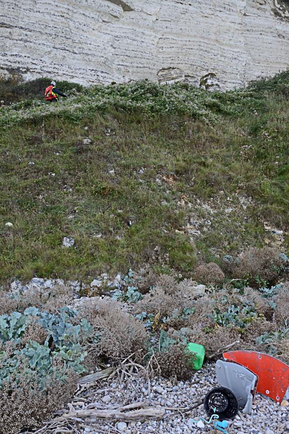 bord de falaise où a lieu la recherche de la balise GPS